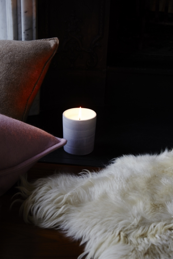 "SCENTED CANDLE - ""LIVERE"" CERAMIC CONTAINER"