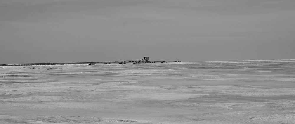 A lonely hut at the end of the pier