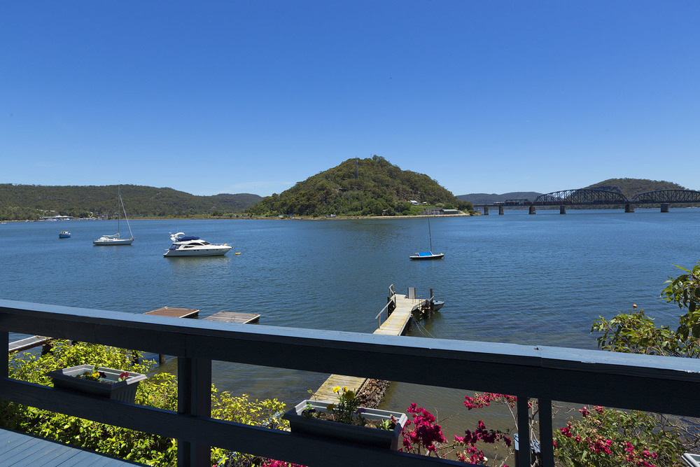 VIEW6_Dangar_Island.jpg