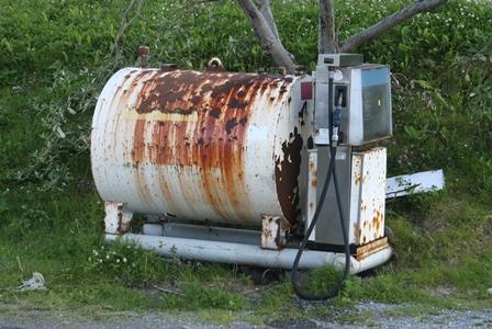 Løkta bensin gml tank.jpg