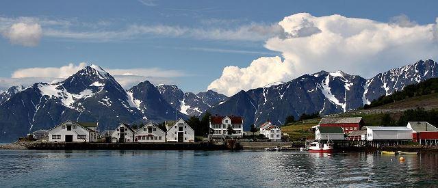 Havnnes frå sjøen.jpg