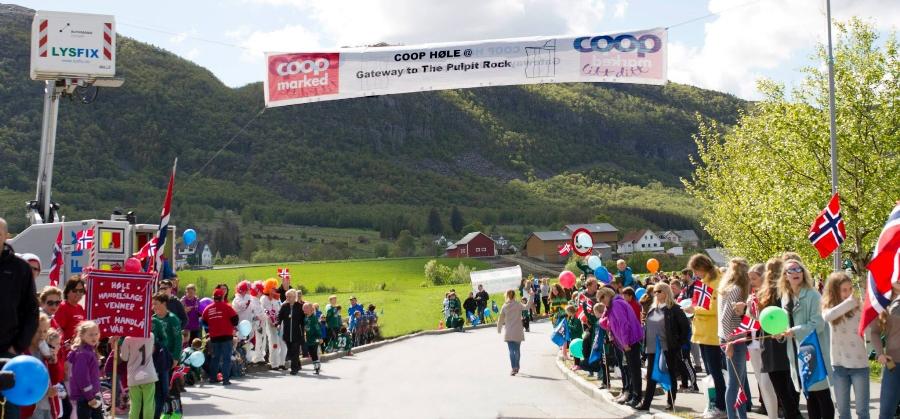 Høle m banner.jpg