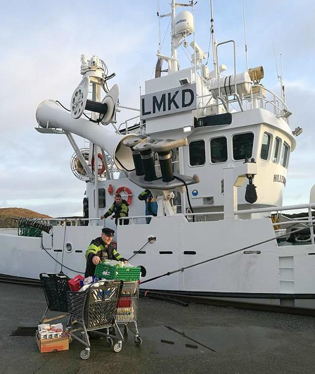 Bulandet leverer til fiskebåt_red.jpg