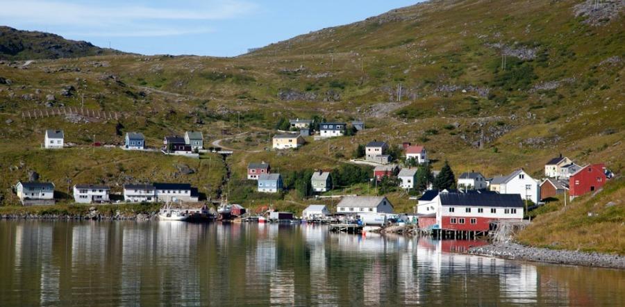 Akkarfjord_Finnmark red.jpg