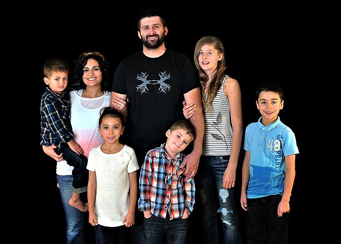 The Steier family - Quinn, Mom Anita, Lauren, Dad Skyler, Ryder, Bailey, and Hayden