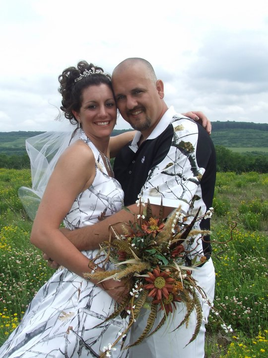 Amanda and Eric on their wedding day