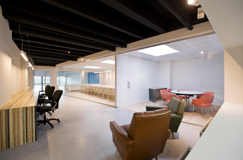 Design Kantoor Bureau.Office Interior Design In Ghent Het Kantoor Van Morgen