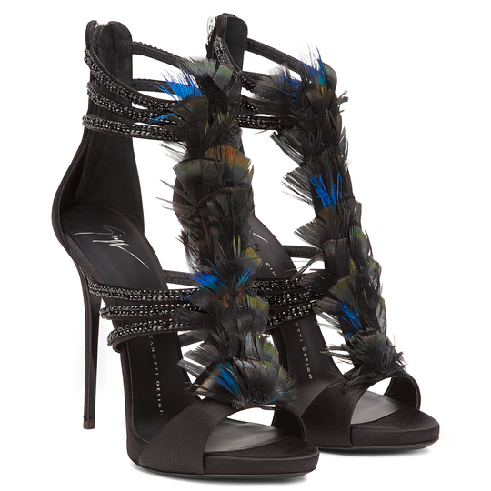 Giseppe-Zanotti-Fall-2015-Madeline-Feathers-Sandals.png