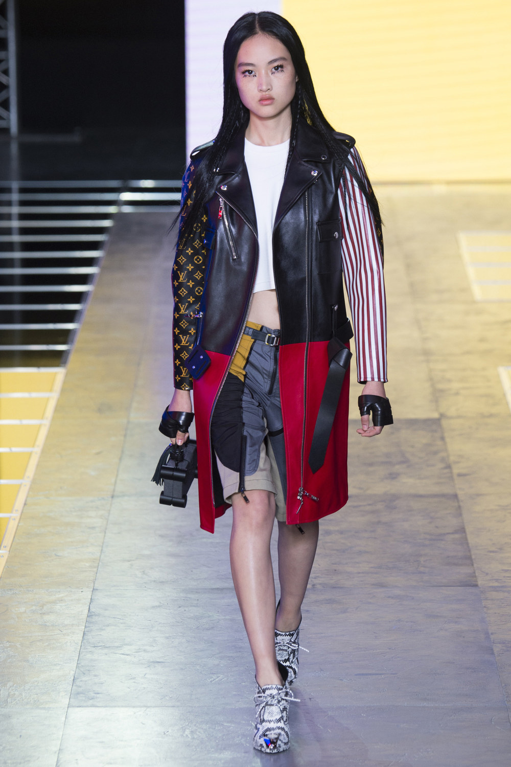 Louis-Vuitton-Spring-2016-13.jpg