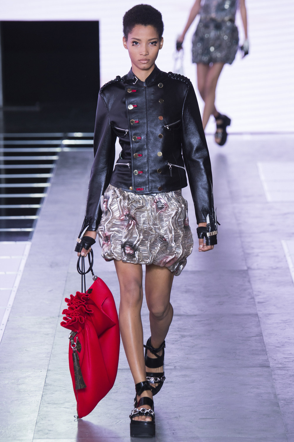 Louis-Vuitton-Spring-2016-18.jpg