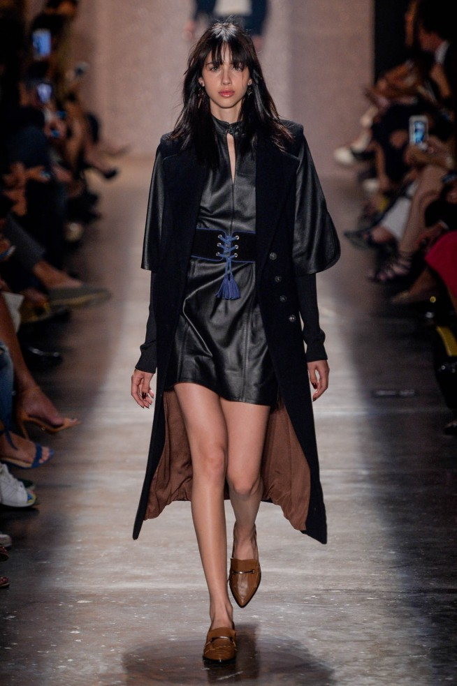 Lily-Sarti-Sao-Paulo-Fall-Winter-2016-8.jpg