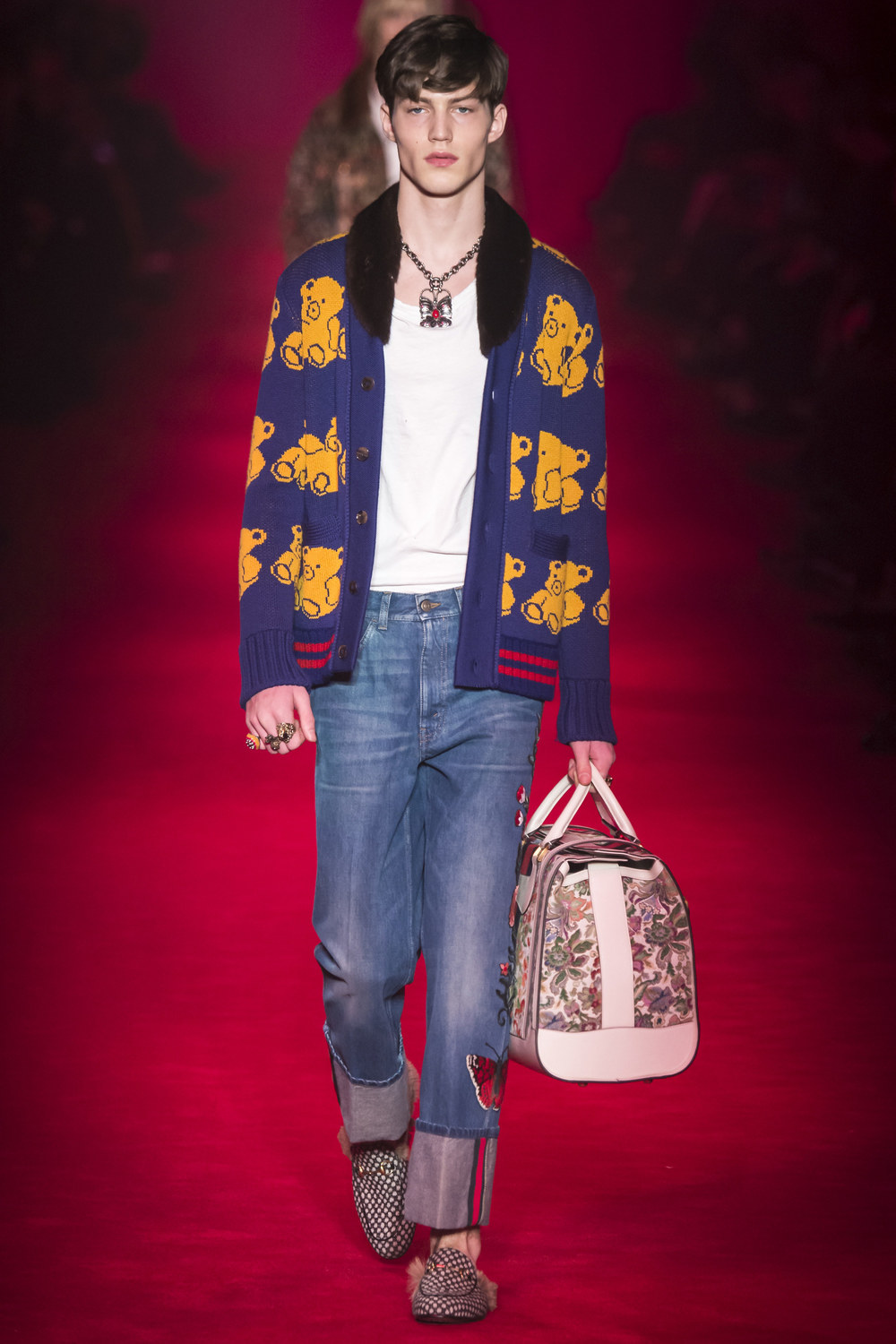 Gucci-Fall-2016-Menswear-Milan-25.jpg
