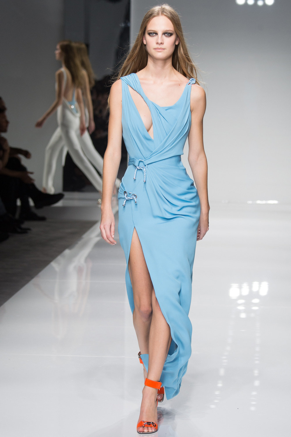 Atelier-Versace-Courute-Spring-2016-Paris-Fashion-Week-6.jpg