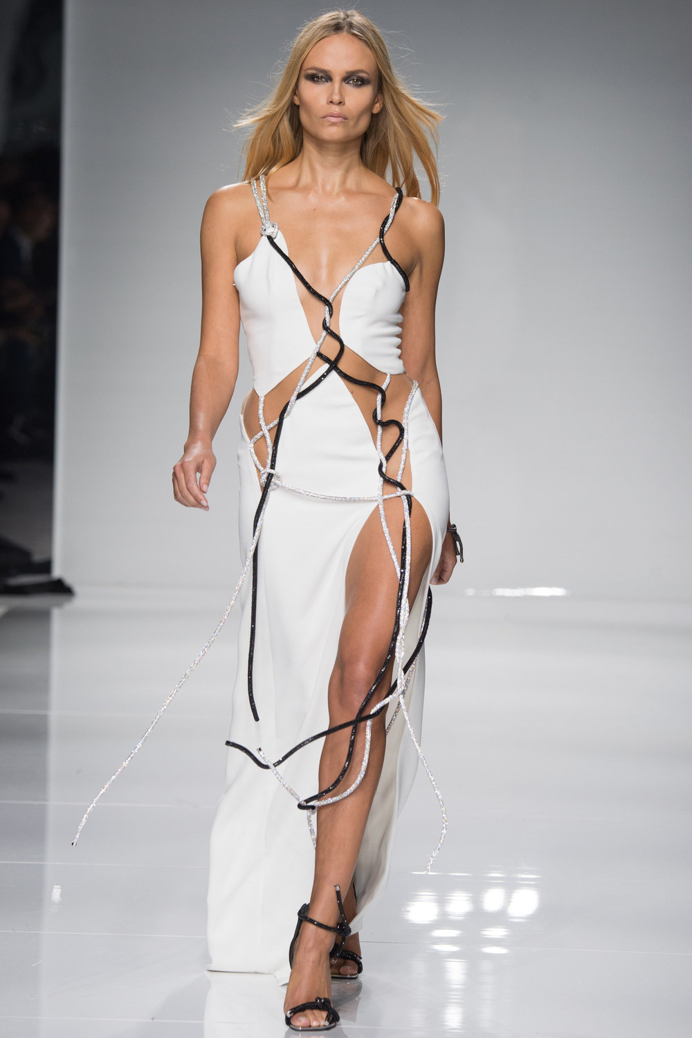 Atelier-Versace-Courute-Spring-2016-Paris-Fashion-Week-22.jpg