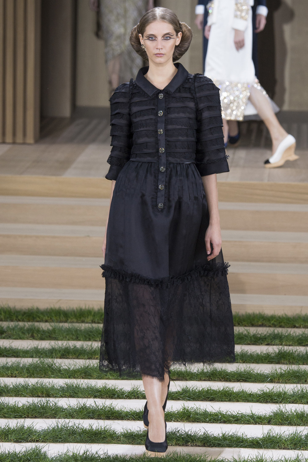 Chanel-Couture-Spring-2016-Paris-Fashion-Week-8.jpg