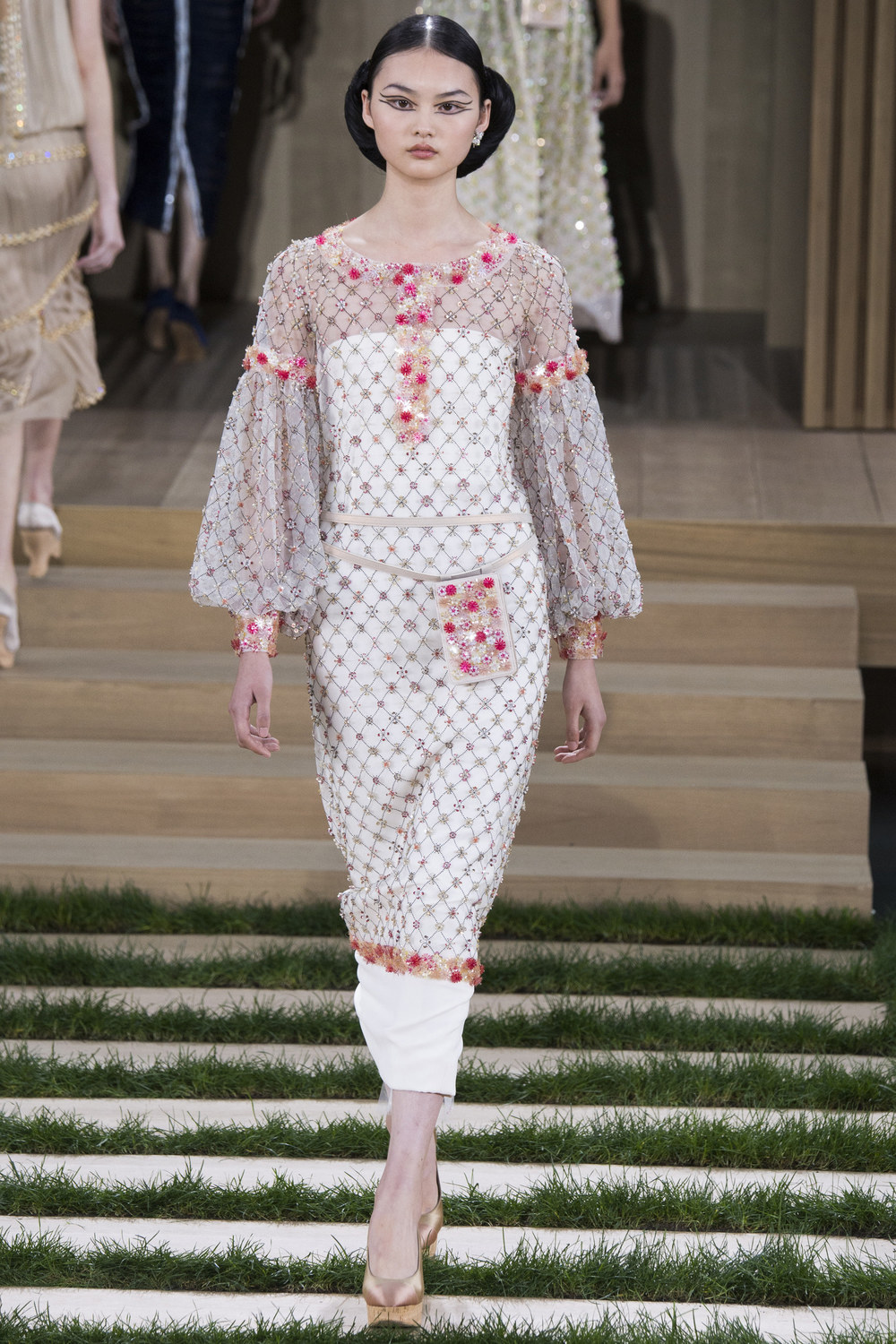 Chanel-Couture-Spring-2016-Paris-Fashion-Week-11.jpg