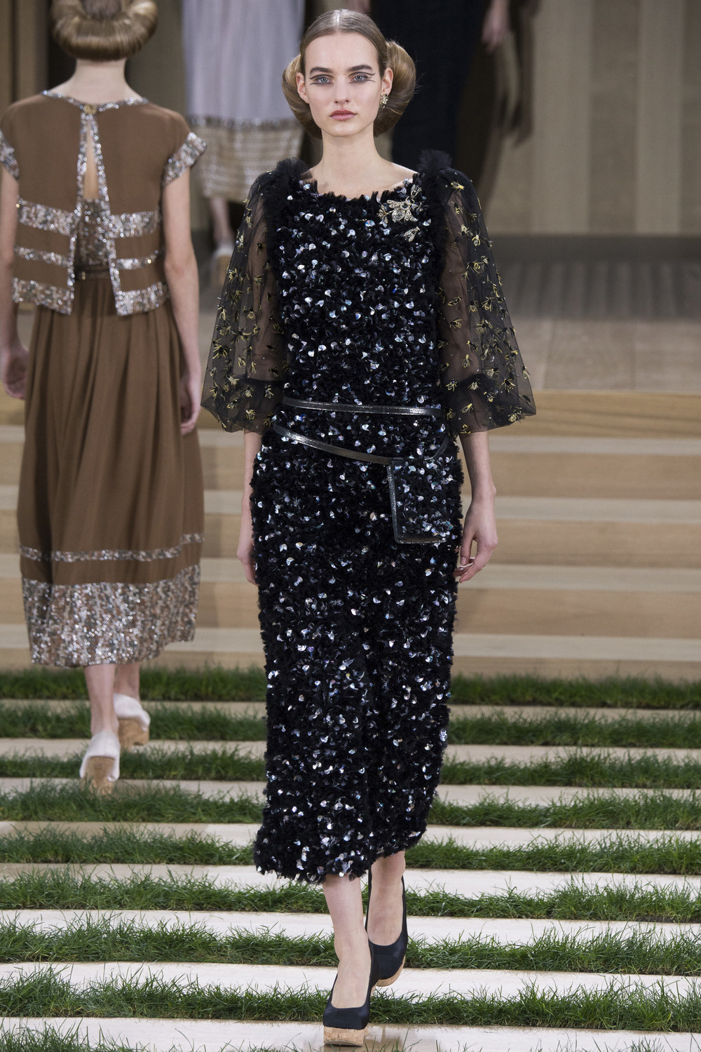 Chanel-Couture-Spring-2016-Paris-Fashion-Week-13.jpg