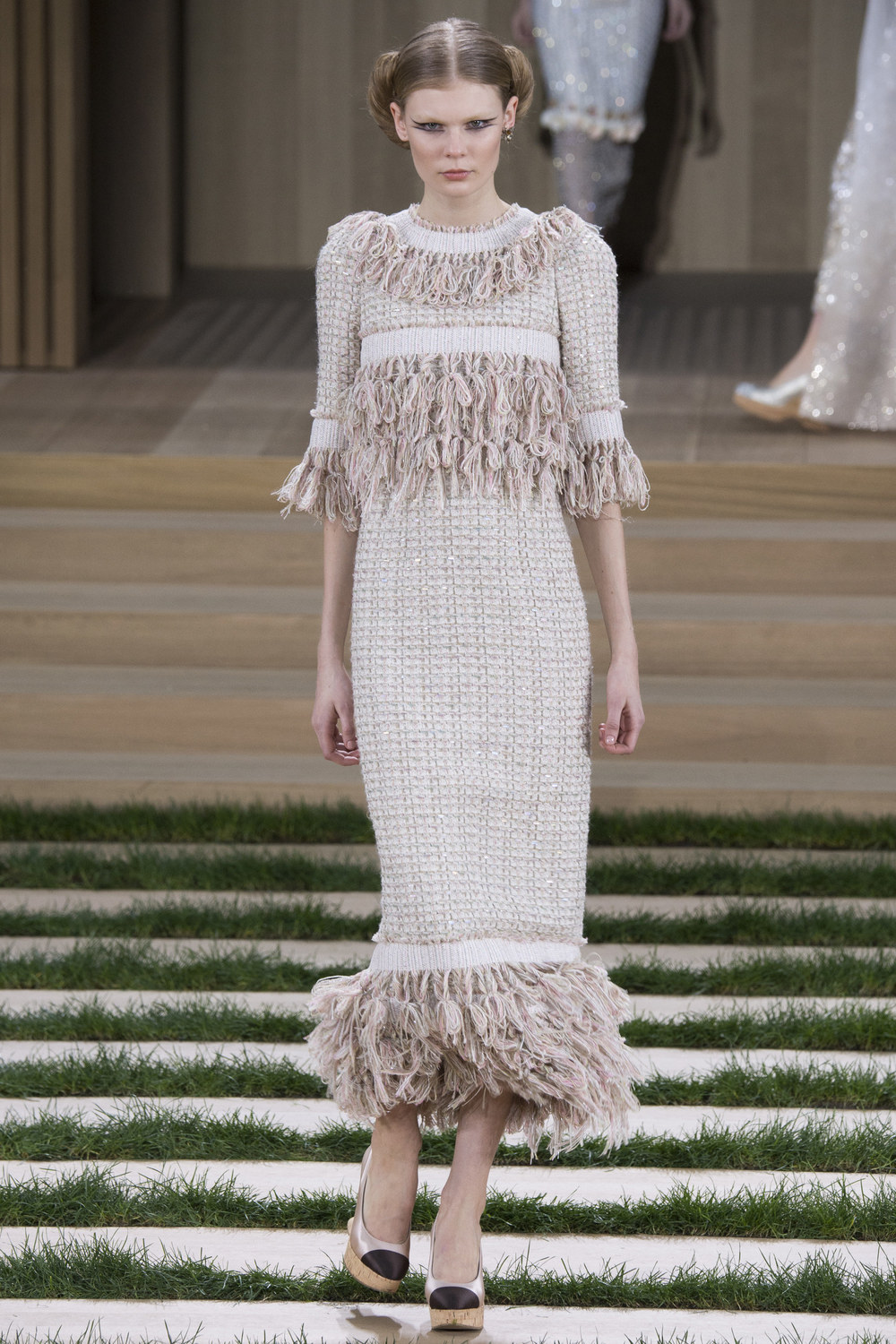 Chanel-Couture-Spring-2016-Paris-Fashion-Week-23.jpg