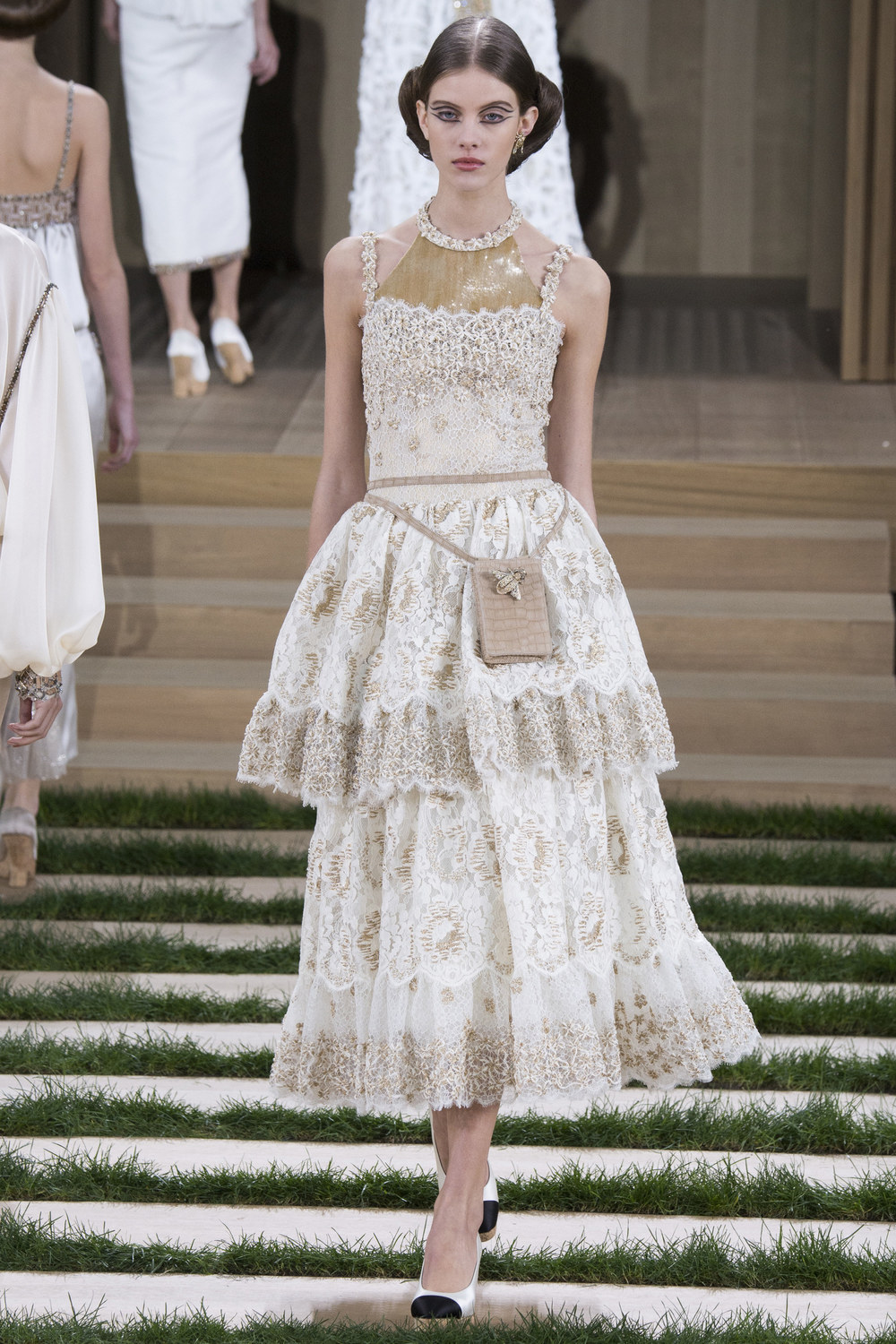 Chanel-Couture-Spring-2016-Paris-Fashion-Week-24.jpg
