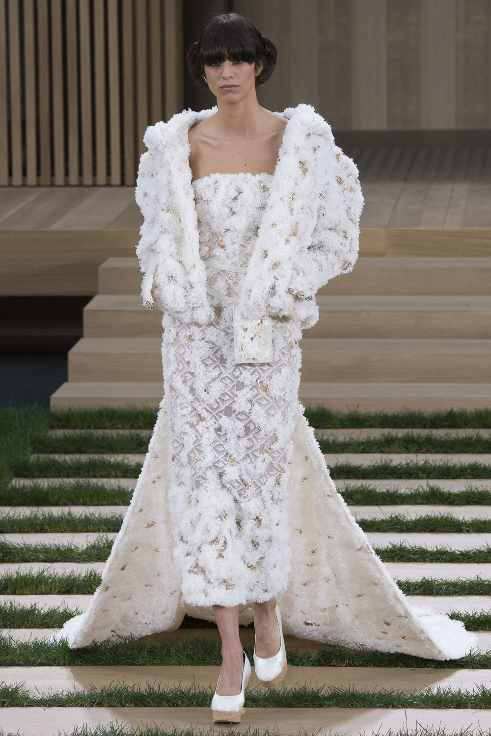 Chanel-Couture-Spring-2016-Paris-Fashion-Week-28.jpg