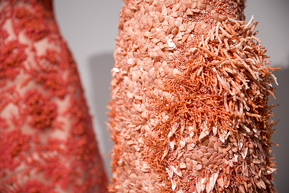 Met_Manus_Machina_Details_Fashion_Exhibition_New_York_.png