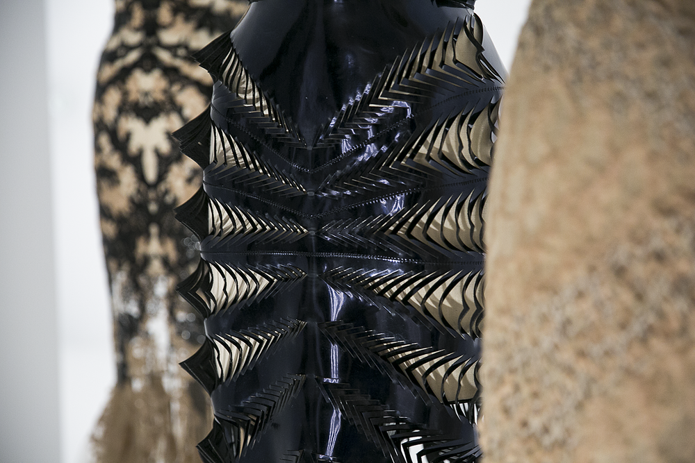 Met_Manus_Machina_Details_Fashion_Exhibition_New_York_7.png