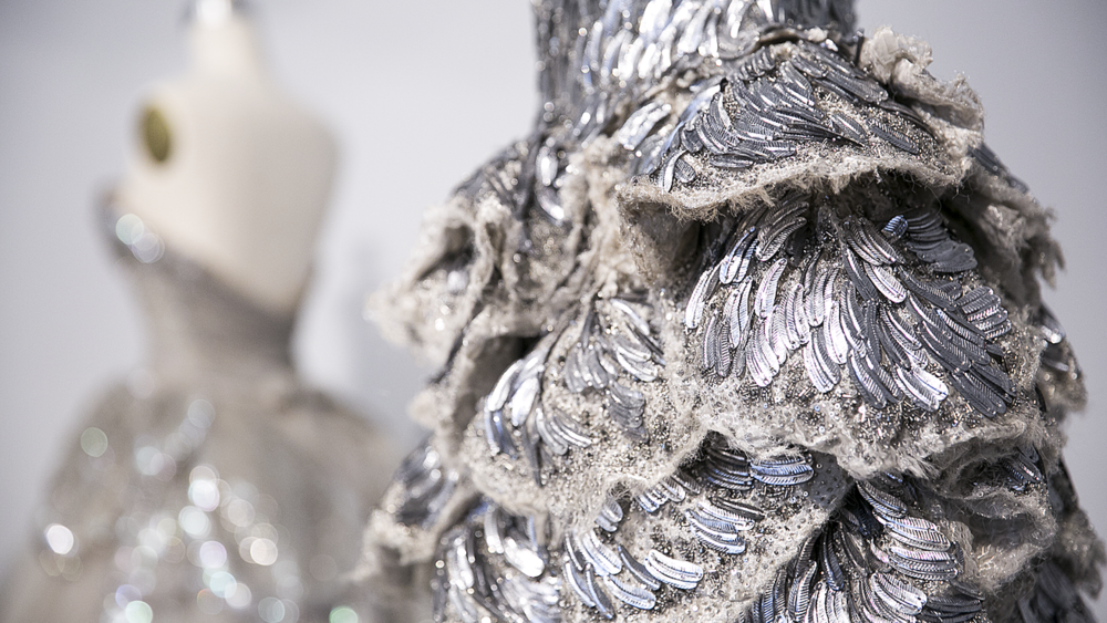 Met_Manus_Machina_Details_Fashion_Exhibition_New_York.png