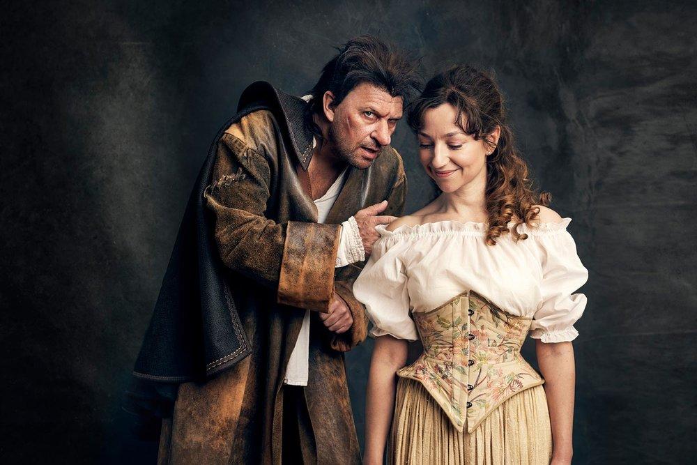 Bjarte Hjelmeland og Andrea Bræin Hovig i Cyrano. Foto: Øyvind Eide.