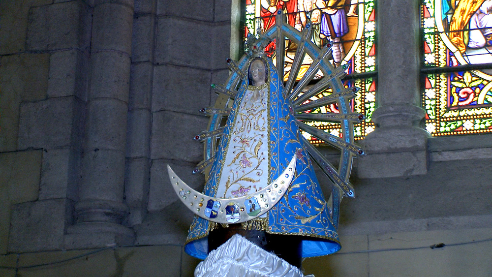our-lady-of-lujan-statue.jpg