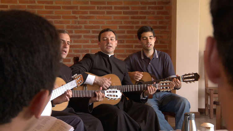 three-guitar-amigos.jpg