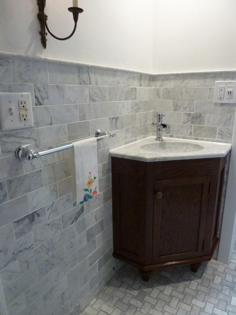 Venatino Carrara Corner Sink