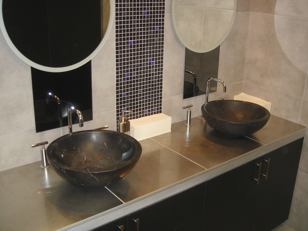 Nero Vessel sinks.jpg