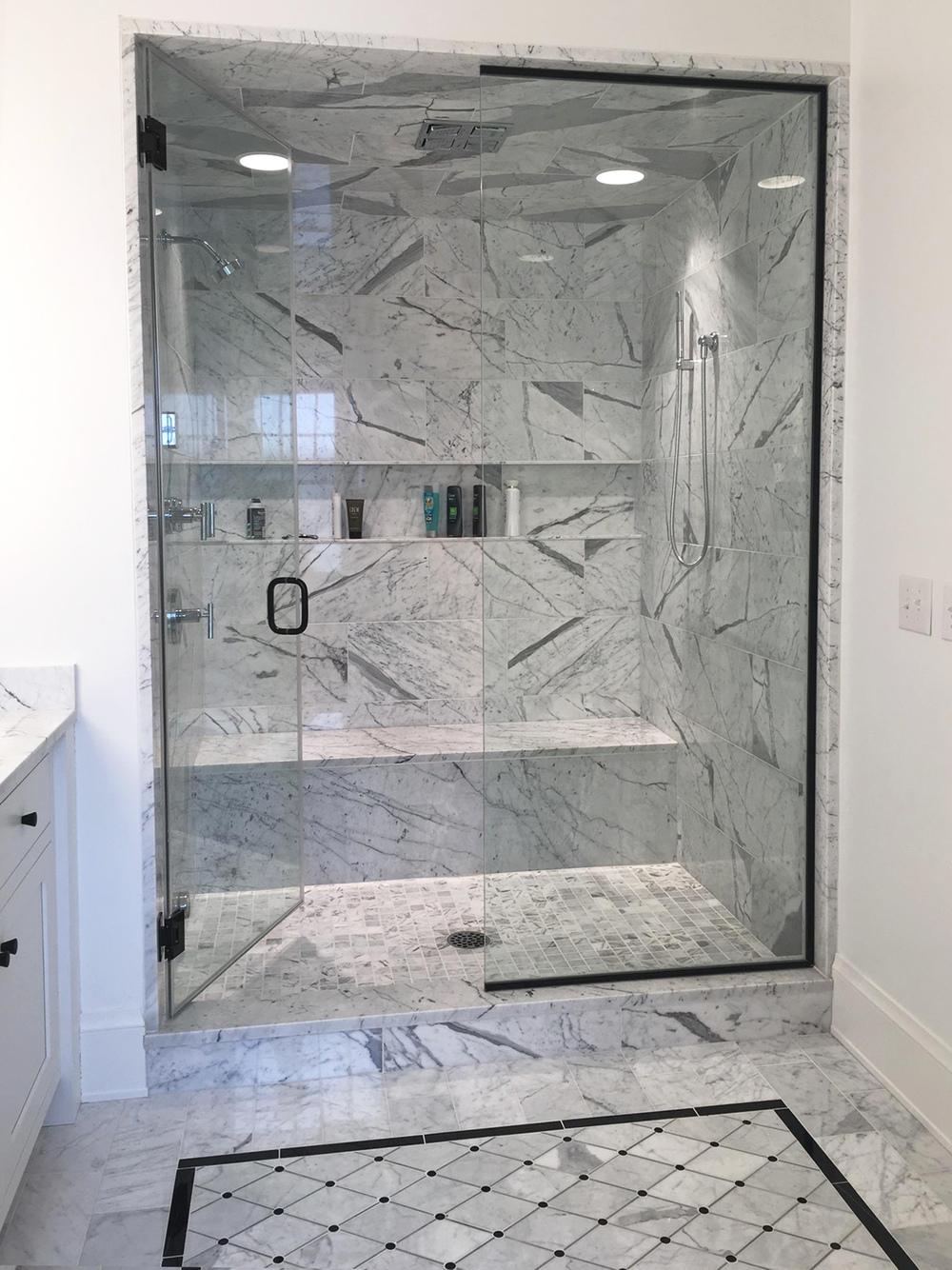 Venatino Carrara shower