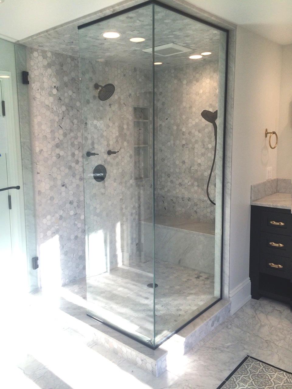 Venatino Carrara Hexagon Shower