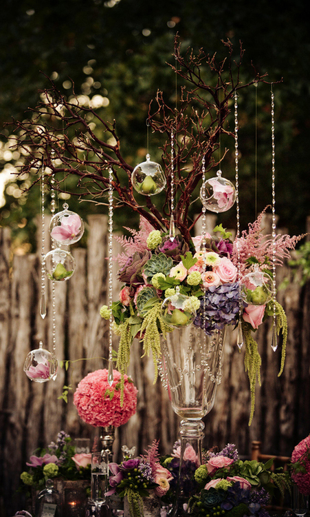 tumblr.com    Centerpiece w/crystals + open bulbs | via WedSociety | photo by…   Centerpiece w/crystals + open bulbs  | via WedSociety | photo by Simple Moments Photography