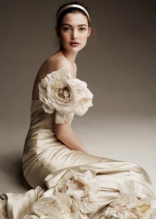 bridalsnob: Gawd… divine.