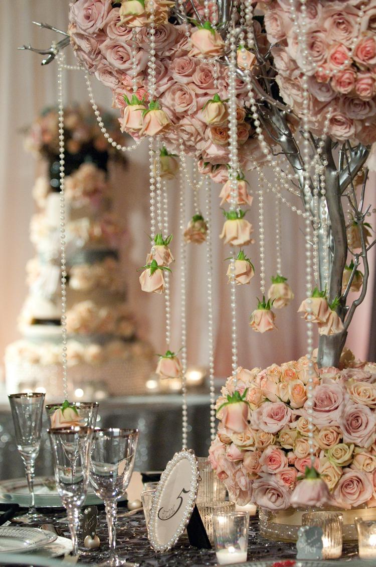 bridalsnob: It's raining roses