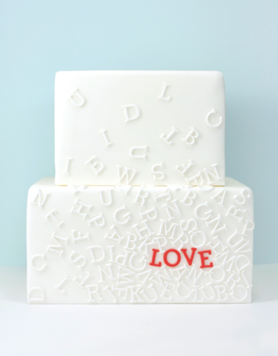 modern-wedding-thoughts :     What a clever wedding cake!