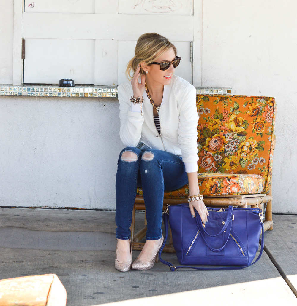 Distressed Jeans / Statement Necklace / Accessory Jane / Dallas Fashion Blogger