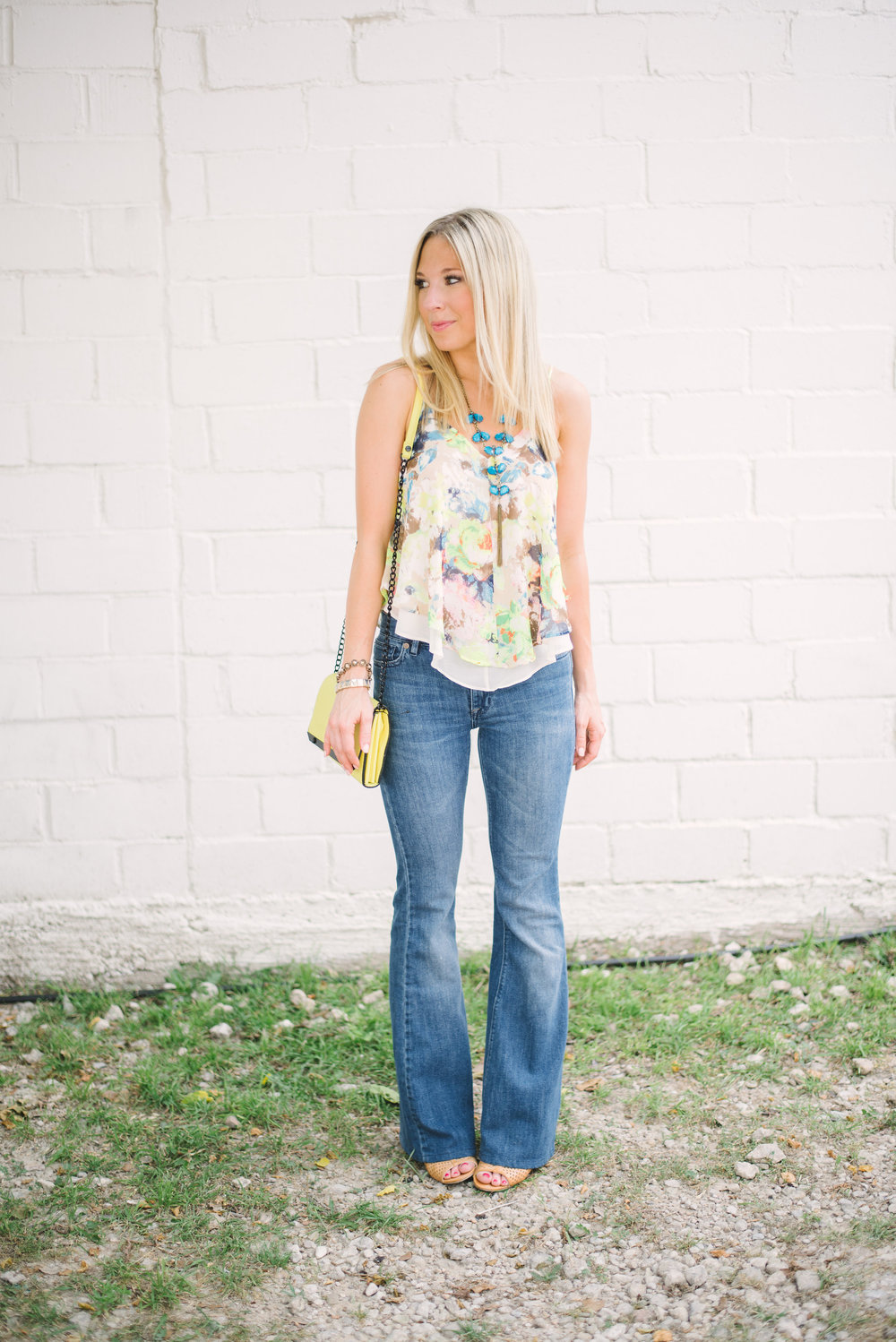 Flare-jeans-floral-top