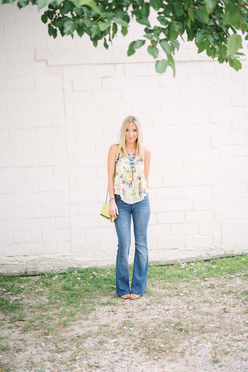 flare-jeans-&-floral-top
