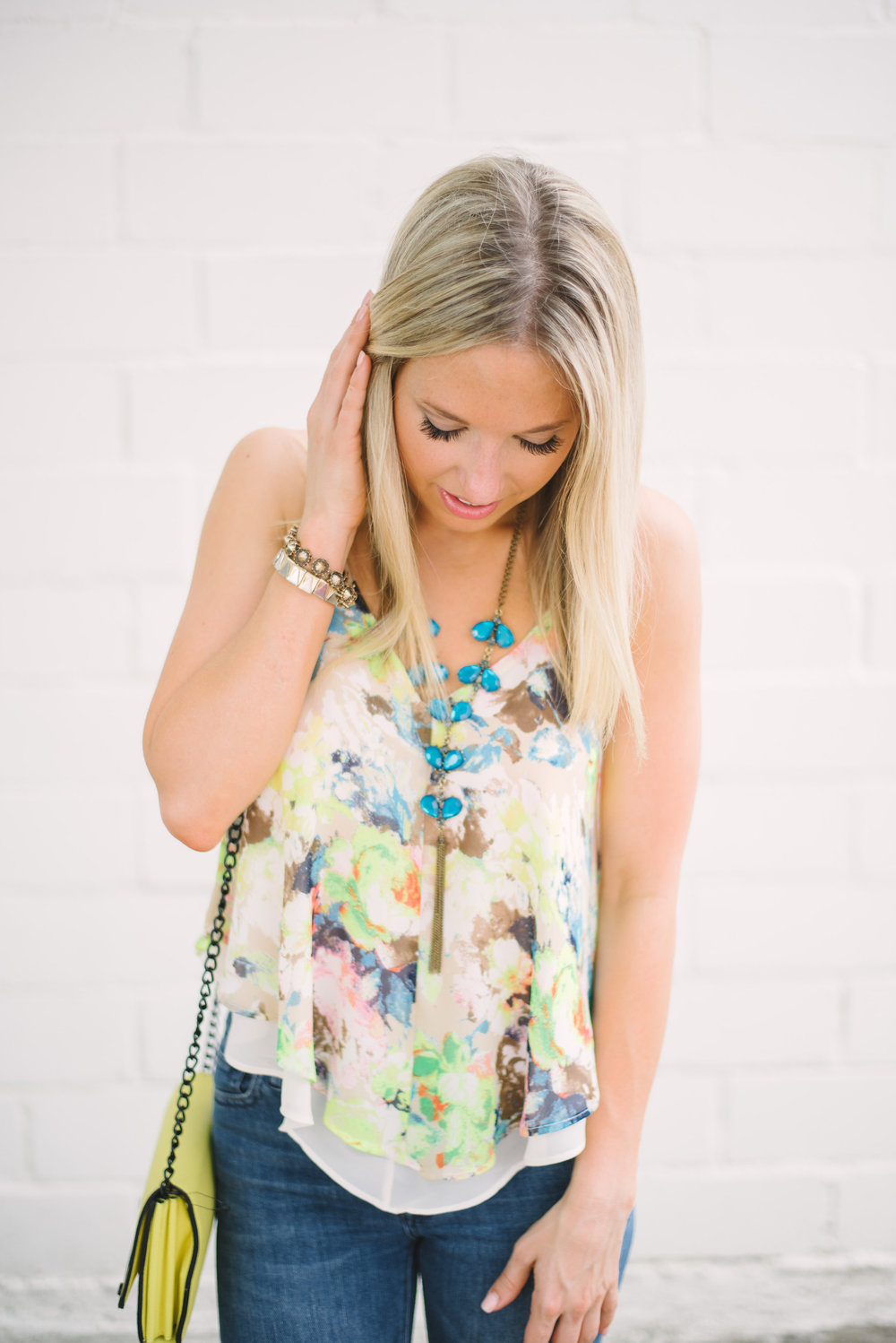 flare-jeans-&-floral-top-3