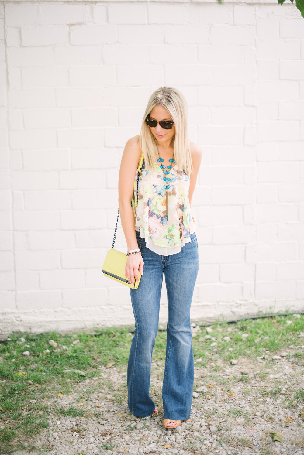flare-jeans-&-floral-top-9