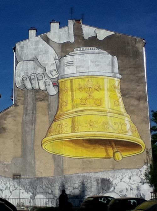 szymon :      Blu  in  Krakow      Way to represent, Polska.