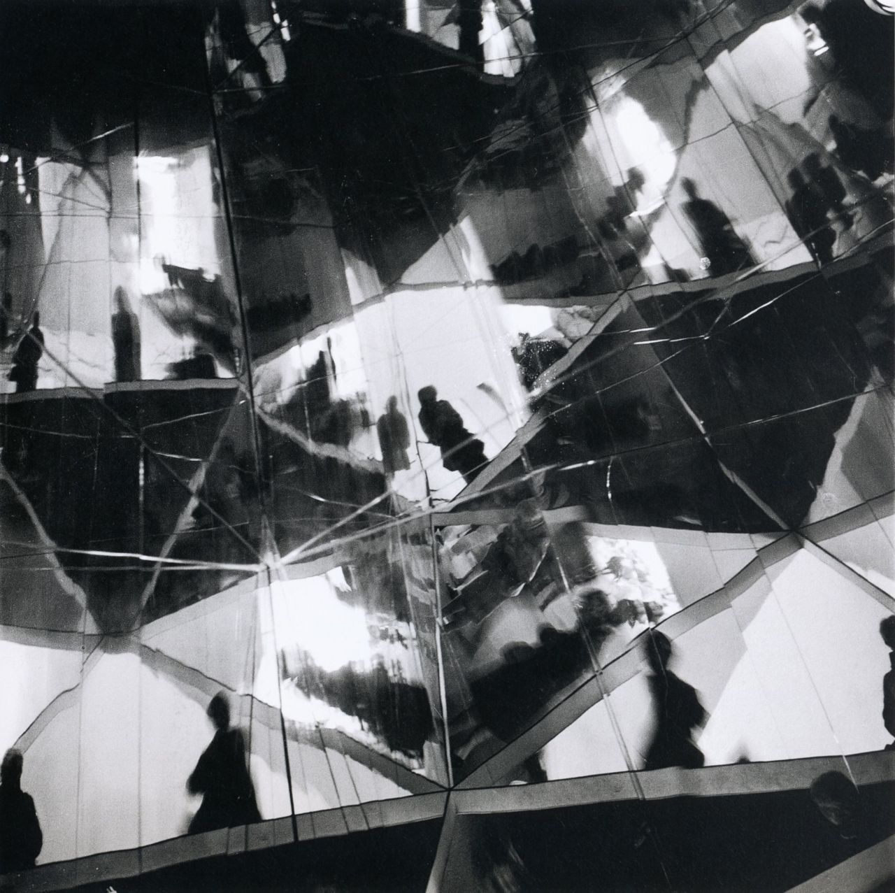 liquidnight :      Eva Besnyö     Montreal World's Fair    Canada, 1967   From  Eva Besnyö
