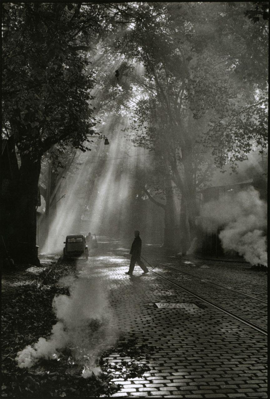 liquidnight: Philippe Gautrand Rue Neuve-de-la-Garonne à Bercy, 1980 From Paris Mon Amour