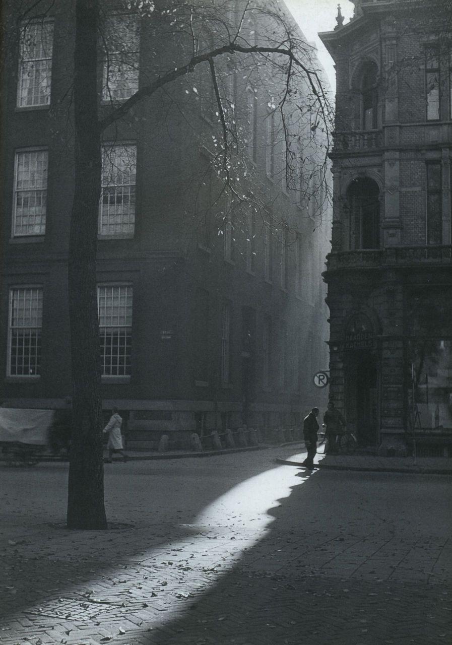 liquidnight :      Dirk de Herder    Amsterdam, circa 1947   From  Flashback: leven met foto's