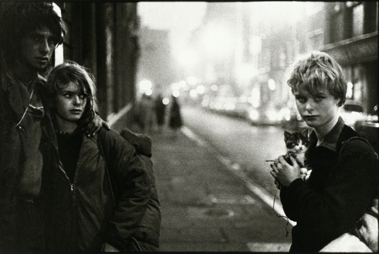 liquidnight :      Bruce Davidson    London, 1960   From  England / Scotland 1960