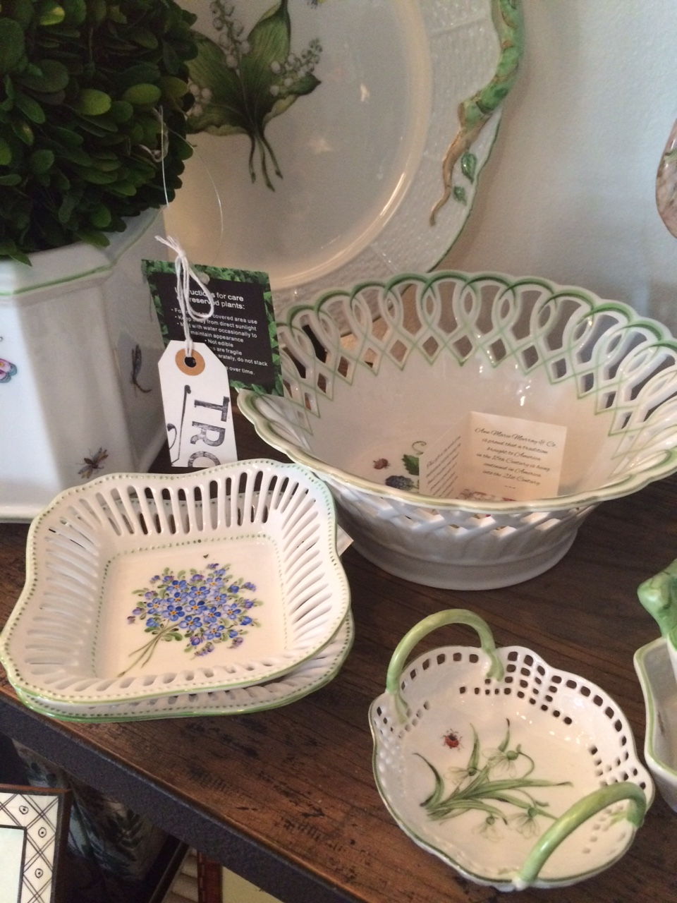 Ann Murray hand painted porcelain plates and cache pots are so tasteful, delicate and lovely. If those are words you'd use to describe your mother, she's sure to love these pieces.