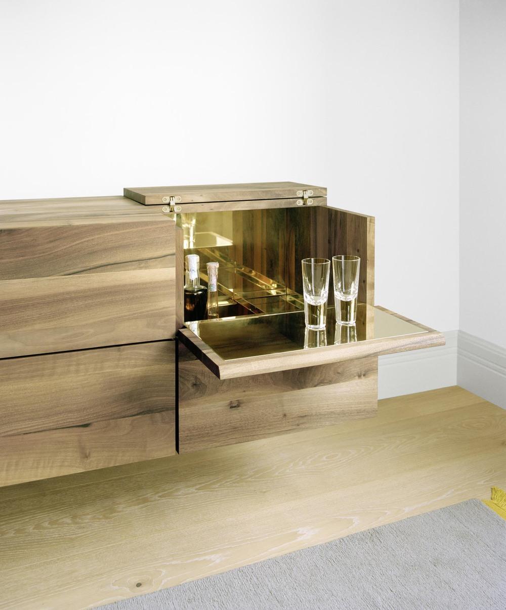 Araq Bar Cabinet